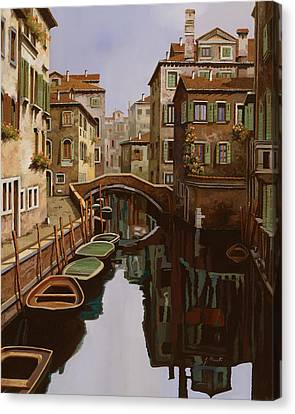 Riflesso Scuro Canvas Print