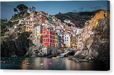Riomaggiore - Cinque Terre Canvas Print