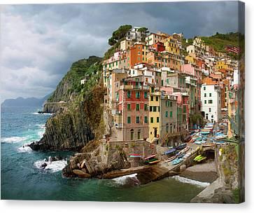Apartment Canvas Print -  Riomaggiore Italy by Cliff Wassmann