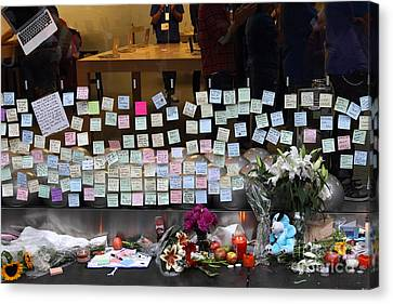 Rip Steve Jobs . October 5 2011 . San Francisco Apple Store Memorial 7dimg8561-1 Canvas Print by Wingsdomain Art and Photography