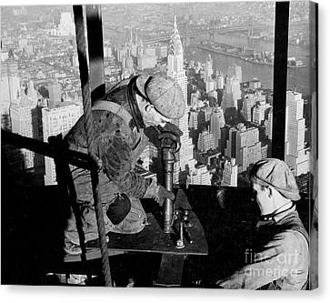 Riveters On The Empire State Building Canvas Print by LW Hine