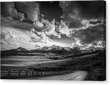 Canvas Print featuring the photograph Road To The Mountains by Andrew Soundarajan