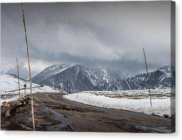 Road Way Over The Mountains In Rocky Mountain National Park Canvas Print