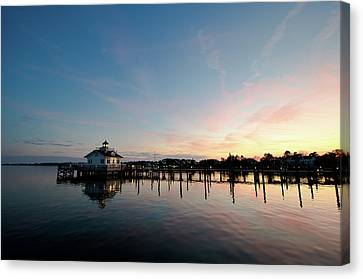 Roanoke Marshes Lighthouse At Dusk Canvas Print by David Sutton