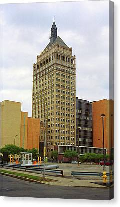 Rochester, Ny - Kodak Building 2005 Canvas Print by Frank Romeo