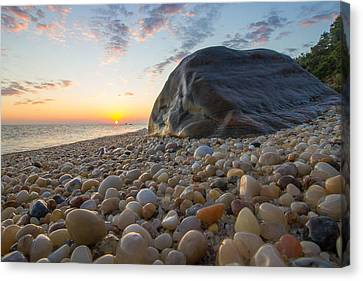 Rocky Shore  Canvas Print by Roderick Breem