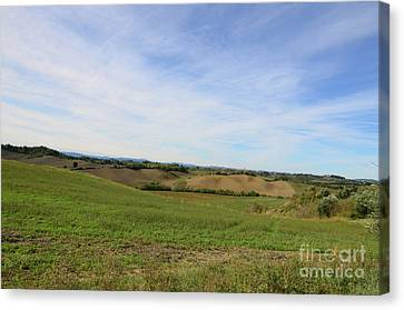 Rolling Hills Of Tuscany Italy Canvas Print