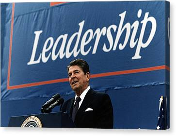 Tntar Canvas Print - Ronald Reagan. President Reagan Giving by Everett