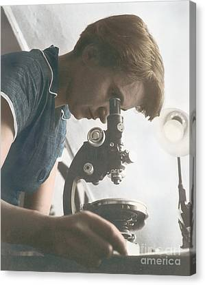 Rosalind Franklin, English X-ray Canvas Print by Science Source