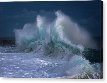 Rough Sea 25 Canvas Print by Giovanni Allievi