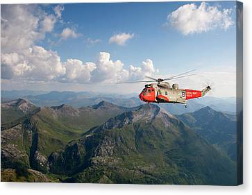 Royal Navy Sar Sea King Canvas Print by Pat Speirs