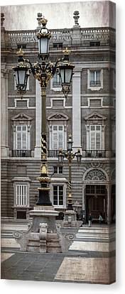 Royal Palace Lamppost Canvas Print by Joan Carroll