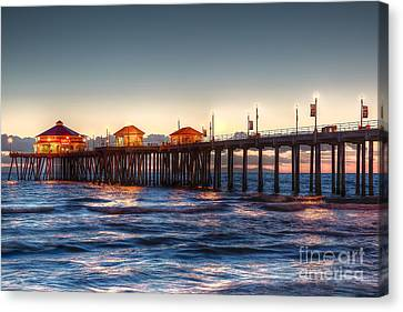 Canvas Print featuring the photograph Ruby's Surf City Diner At Twilight - Huntington Beach Pier by Jim Carrell