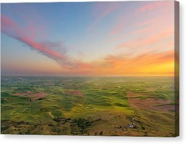Rural Setting Canvas Print by Ryan Manuel