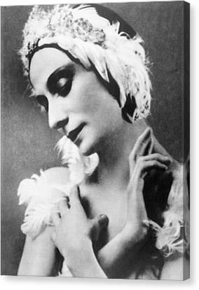 Russian Ballet Dancer Anna Pavlova Canvas Print by Everett