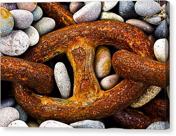 Rusty Chain Canvas Print by Gabor Pozsgai