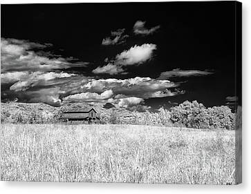 S C Upstate Barn Bw Canvas Print