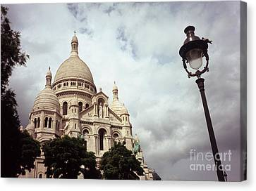 Sacre-coeur And Lamppost Canvas Print by Fabrizio Ruggeri