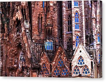 Sagrada Familia 1 Canvas Print by Robynn Balduf