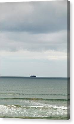 Canvas Print featuring the photograph Sailing The Horizon by Linda Lees