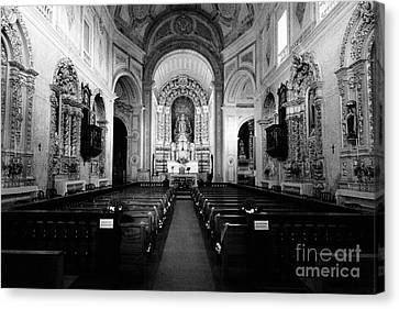 Saint Peter Church Canvas Print by Gaspar Avila