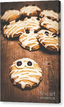Scared Baking Mummy Biscuit Canvas Print