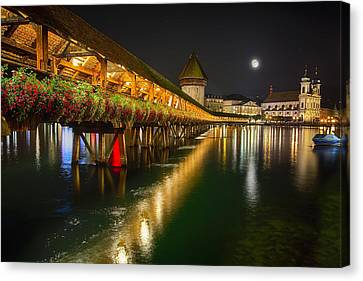 Scenic Night View Of The Chapel Bridge In Old Town Lucerne Canvas Print