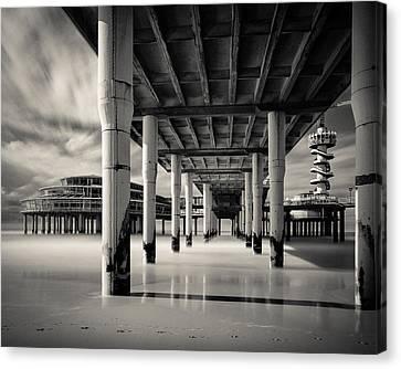Scheveningen Pier 3 Canvas Print by Dave Bowman