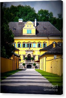 Schloss Hellbrunn Canvas Print by Carol Groenen