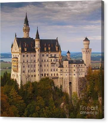Schloss Neuschwanstein Canvas Print by Franziskus Pfleghart