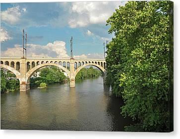 Schuylkill River At The Manayunk Bridge - Philadelphia Canvas Print by Bill Cannon
