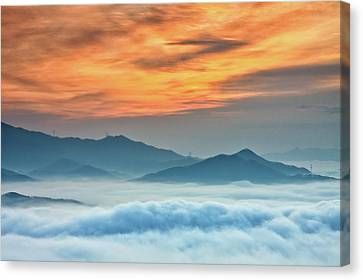 Sea Of Clouds By Sunrise Canvas Print by SJ. Kim