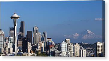 Seattle And Mt Rainier Canvas Print by Ed Clark