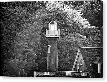 Canvas Print featuring the photograph Sedgely Club - Turtle Rock Lighthouse by Bill Cannon