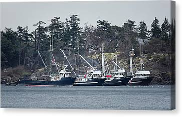 Canvas Print featuring the photograph Seiners In Nw Bay by Randy Hall