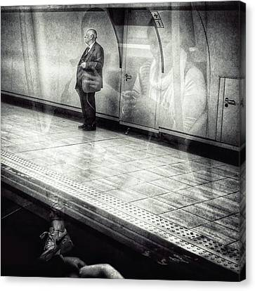 London Canvas Print - Señor #metro #underground #subway by Rafa Rivas