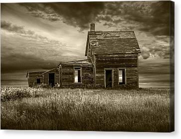 Sepia Tone Of Abandoned Prairie Farm House Canvas Print