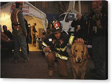 September 11th Rescue Workers Receive Canvas Print by Ira Block