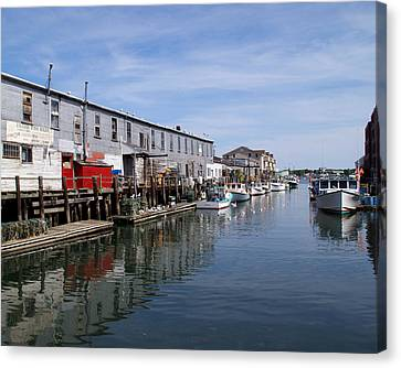 Canvas Print featuring the photograph Serenity Of The Harbor by Lynda Lehmann