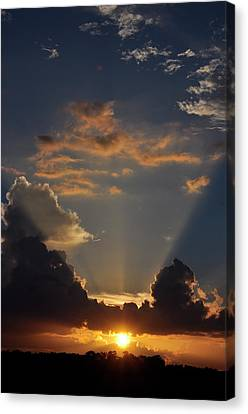 Canvas Print featuring the photograph Setting Softly by Jan Amiss Photography