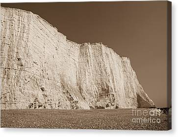 Seven Sisters Cliffs 26 Canvas Print by Marcin Rogozinski