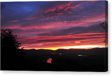 Canvas Print featuring the photograph Shenandoah Morning Glow by Lara Ellis