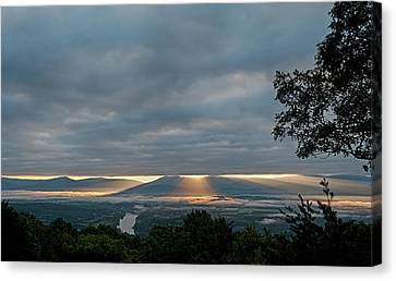Canvas Print featuring the photograph Shenandoah Valley First Light by Lara Ellis