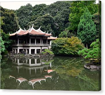 Shinjuku-gyoen Tea House Canvas Print by Corinne Rhode