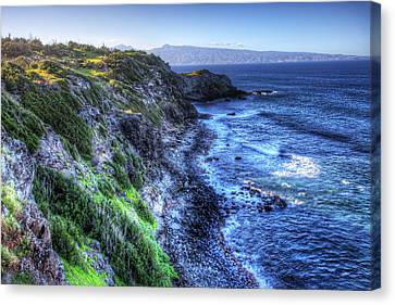 Canvas Print featuring the photograph Shores Of Maui by Shawn Everhart
