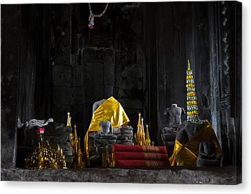 Shrine At Angkor Wat Canvas Print