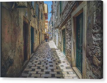 Sibenik Alleyway No 1 Canvas Print by Chris Fletcher