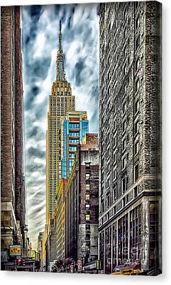 Canvas Print featuring the photograph Sights In New York City - Skyscrapers 10 by Walt Foegelle