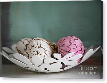 Simply Chic .. Canvas Print