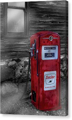 Canvas Print featuring the photograph Sinclair Gas Pump Sc by Susan Candelario